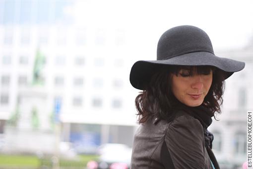 chapeau noir miss selfridge Une poussée dAcne ?
