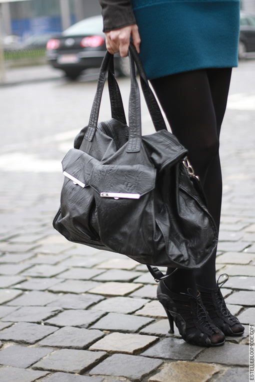 sac cuir noir froisse Une poussée dAcne ?
