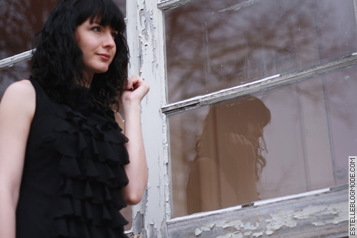 little black dress In love with vintage ruffles
