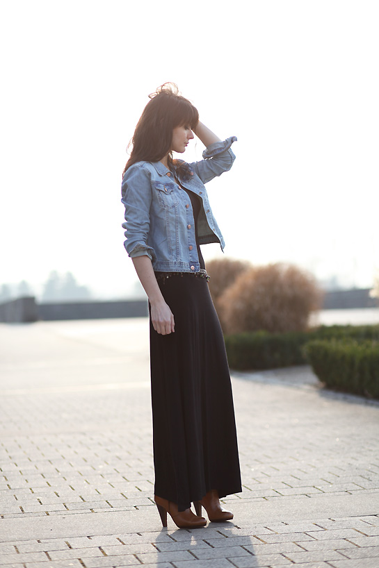 look denim robe noire LBD (long black dress !)