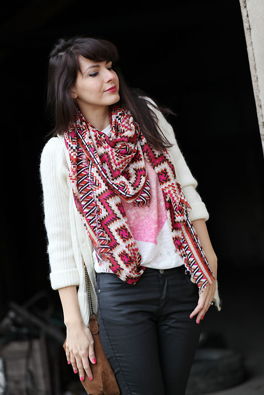 foulard ethnique Passage à lenduit