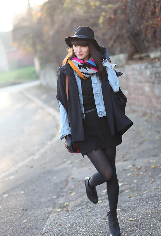 look robe dentelle noire cape Mise à jour du vide dressing