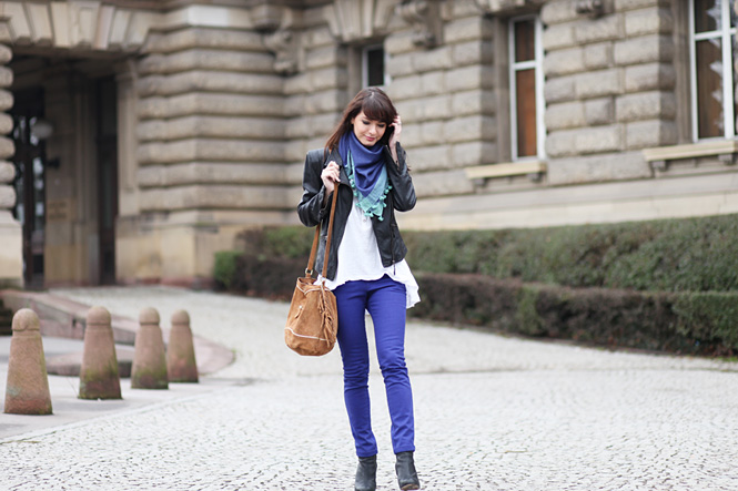 tenue_bleu_outremer