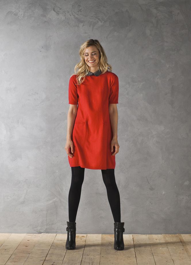 Robes de mode porter une robe rouge en hiver for Quelle couleur porter avec du rouge