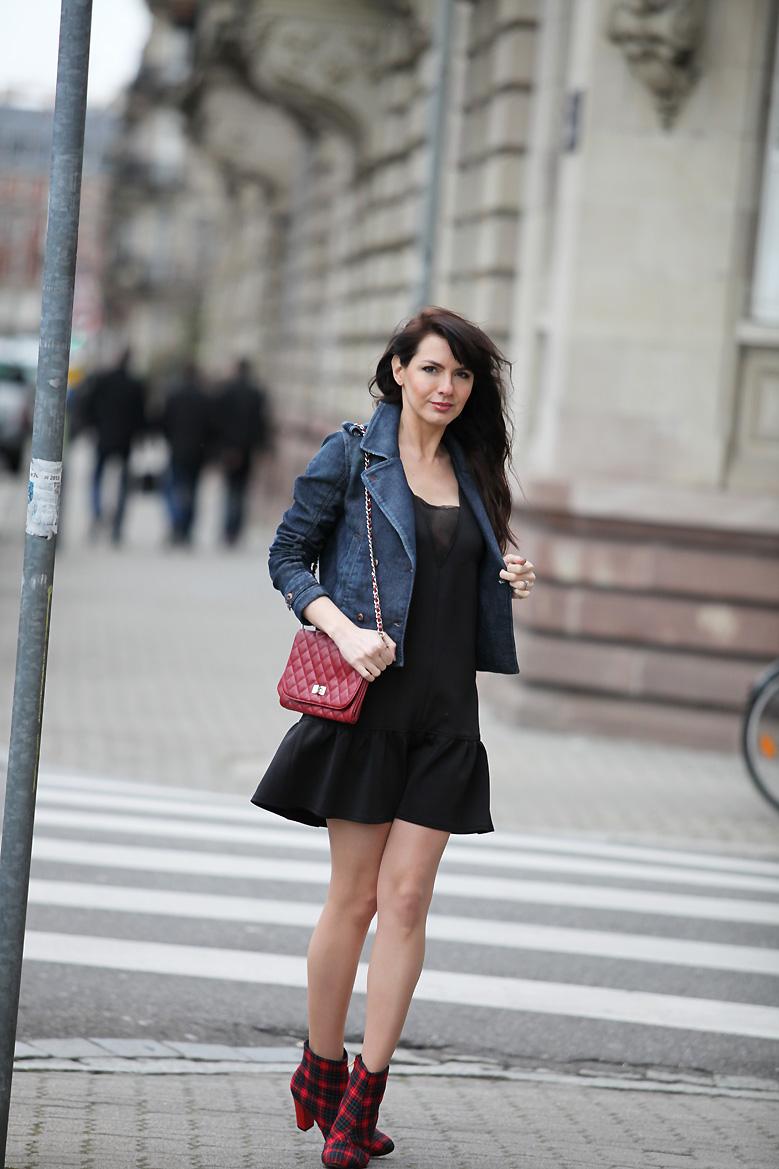 Veste avec robe noire dentelle