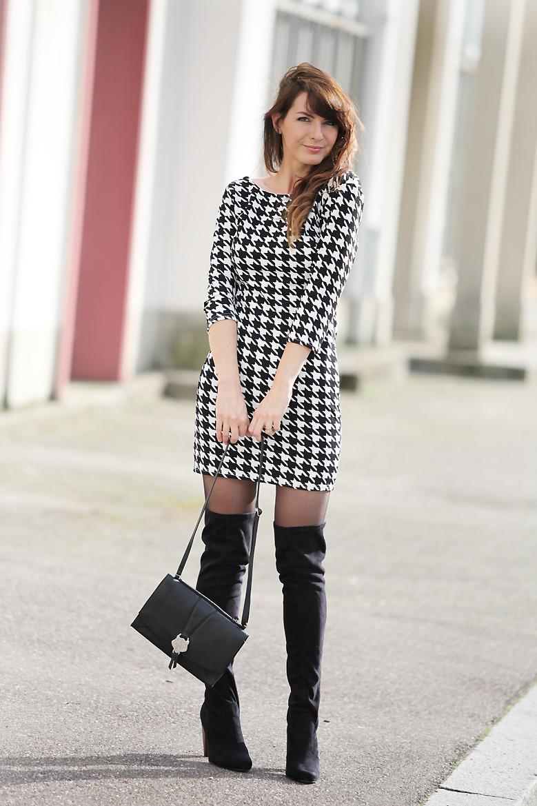 pied_de_poule_dress retro_dress tenue_retro cuissardes cuissardes_look