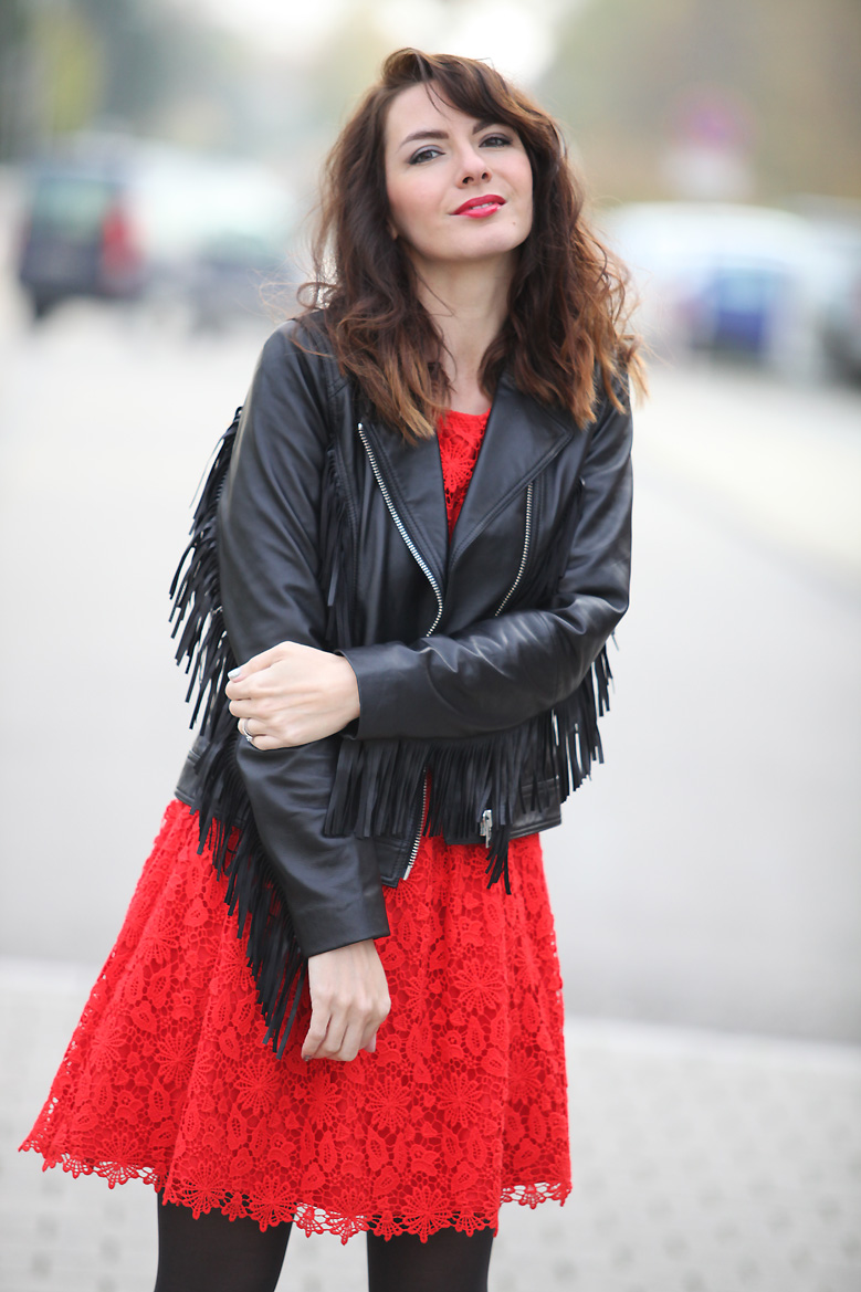 Robe rouge quelle veste