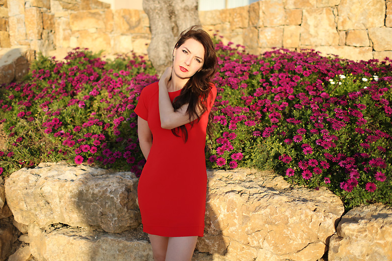 red_dress_look