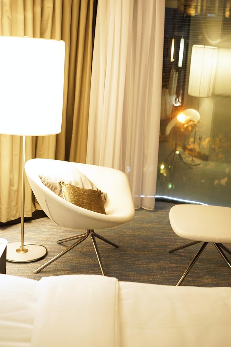 hotel-renaissance-paris-arc-de-triomphe