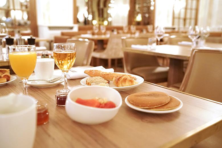hotel-barriere-lenormandy-breakfast