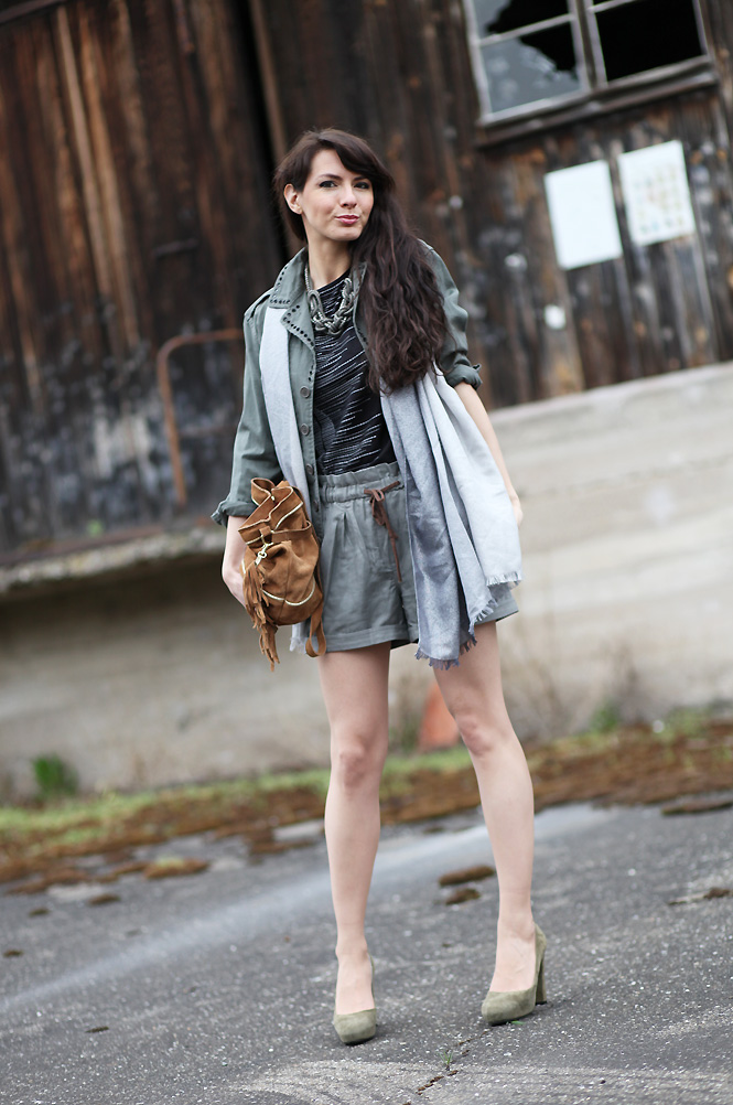 look_military_chic