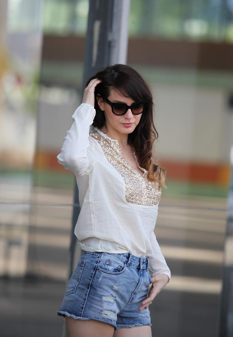 blouse_sequins