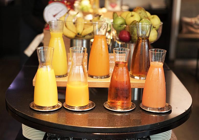hotel-renaissance-paris-breakfast2